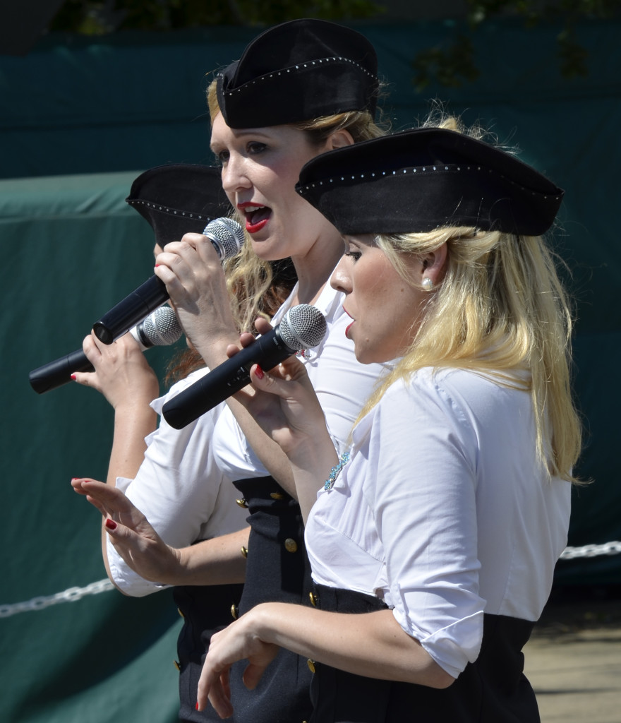 Manhattan Dolls at Flying Legends 2012